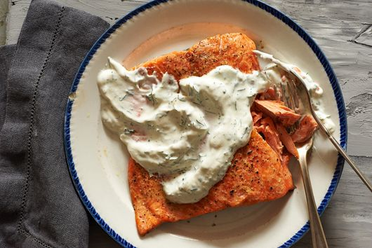 Noni's Salmon with Sour Cream-Dill Slather