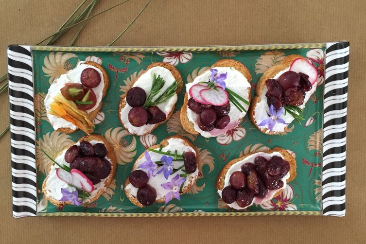 Grape Salsa On Goat Cheese Crostini Recipe — Dishmaps