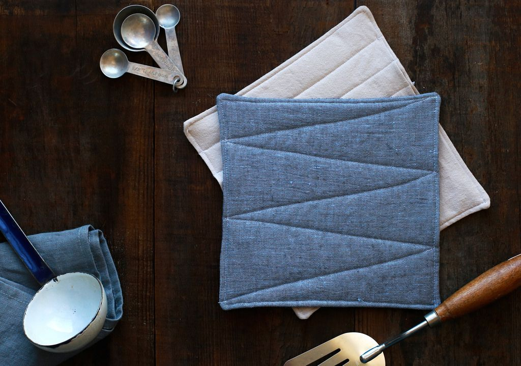 Linen Pot Holders Say Yes