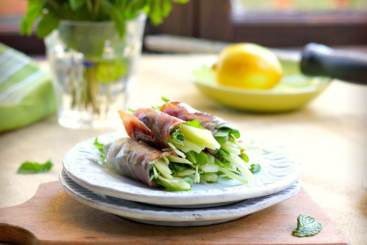 Prosciutto Rolls with Fennel, Arugula and Mint