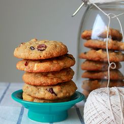 Dried cranberry white chocolate spice cookies