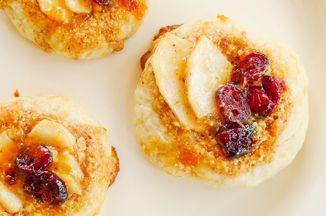 F201f65c 36c3 4aa7 9b4e 2dcf2aa104b6  pear cranberry frangipane cookies 1