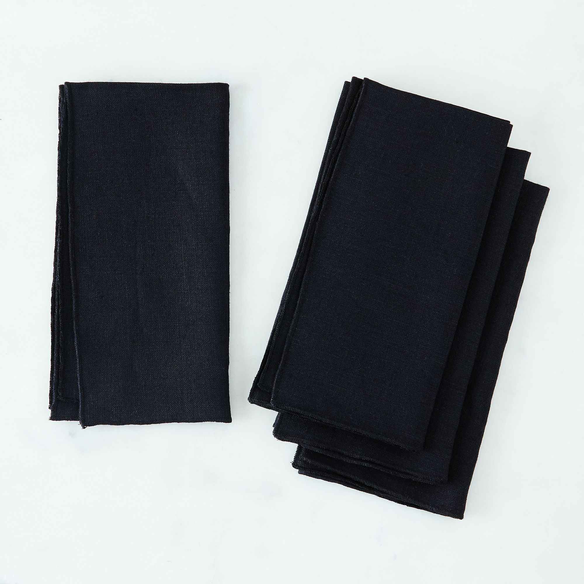 1f441682 a0f9 11e5 a190 0ef7535729df  2015 0930 dot and army black linen napkins silo rocky luten 004