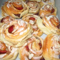 Cherry-Almond Cinnamon Buns