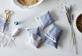 25f57108 0a77 4a64 b72a 43087feb8c30  2015 0422 diy lavender sachets james ransom 016