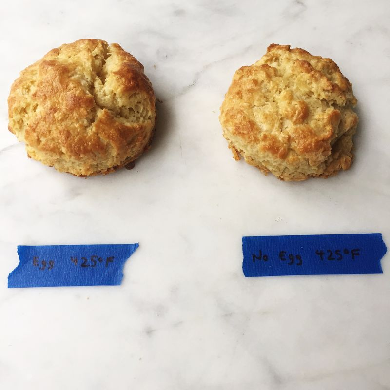 Cooked at 425° F, with egg (left) versus without egg (right).