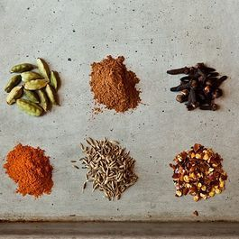 10 Essential Spices