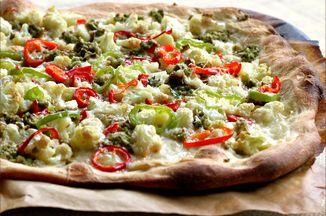 D6a1e075 232c 4768 84f3 bea58c7c6bb2  tapenade pizza