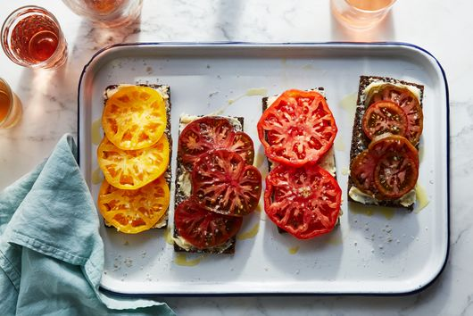 Estela's Tomato Toast