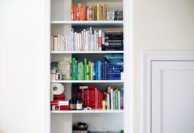 1a119ac8 df9c 4036 a807 19c25ff30635  color coded bookshelves