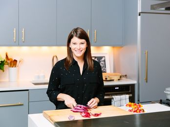 Peek Inside Top Chef Judge Gail Simmons' Tranquil Home (and Fridge!)