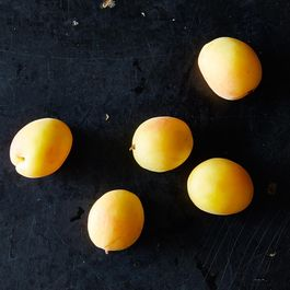 The Best Ways to Find, Store, and Use Apricots