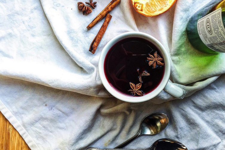 Simple Holiday Mulled Wine