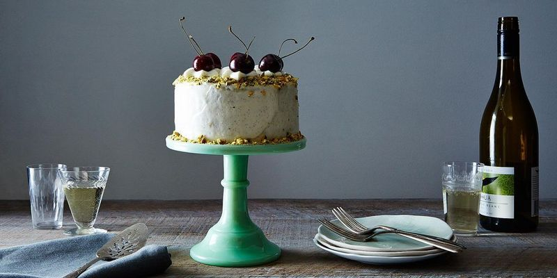12 Beautiful Cake Stands to Show Off Your Instagram-Worthy Creations