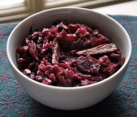 Red Wine Braise-Roasted Cabbage with Carrots and