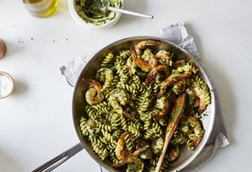 916b7506 d97d 47ff b4b6 2dd583890742  2016 0809 danny bowiens pasta with pesto shrimp and ham recipe bobbi lin 2169