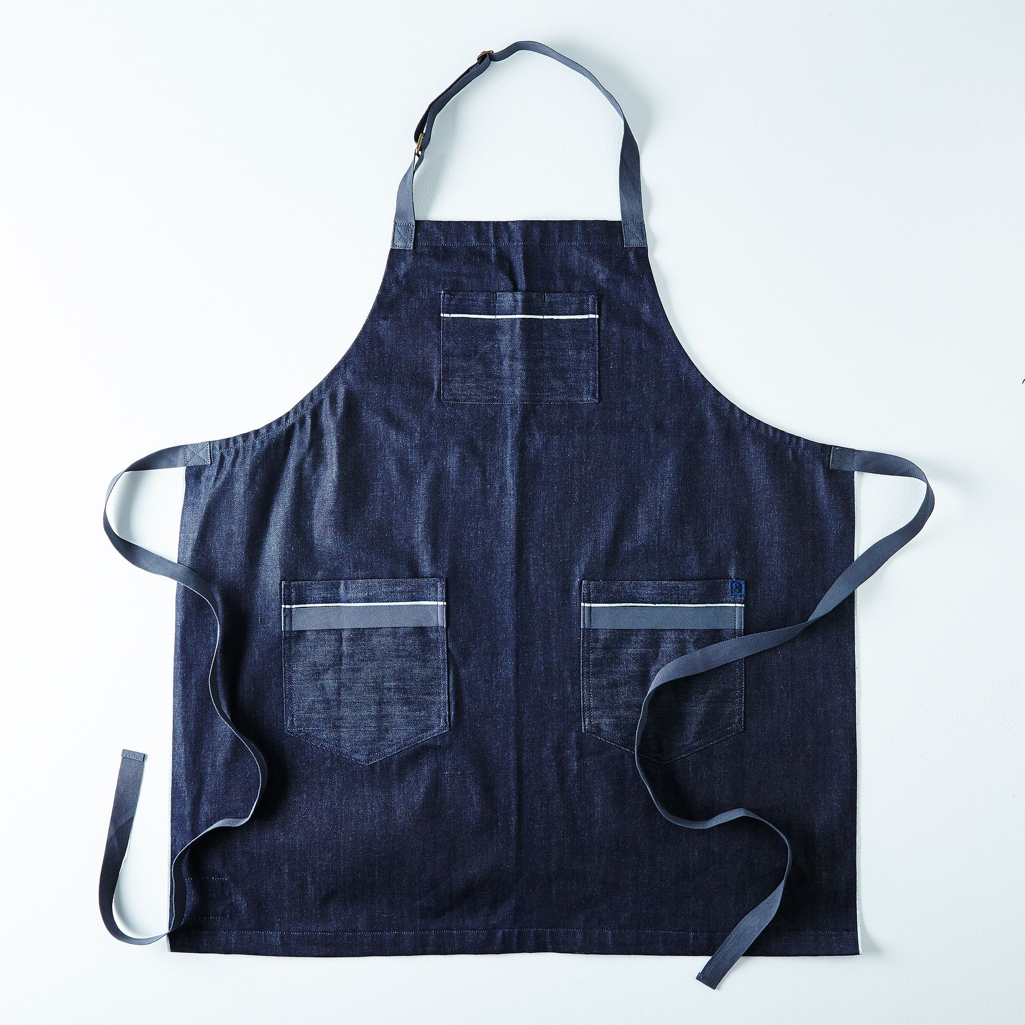 White apron specialty sandwiches - Hedley Bennett Selvage Chambray Apron