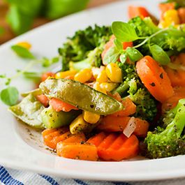 243920f3-e4d8-4fad-acc2-f6257b29f800--642x361_roasted_vegetable_salad