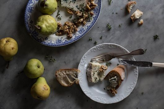 Crostini with Gorgonzola, Pear, and Walnut