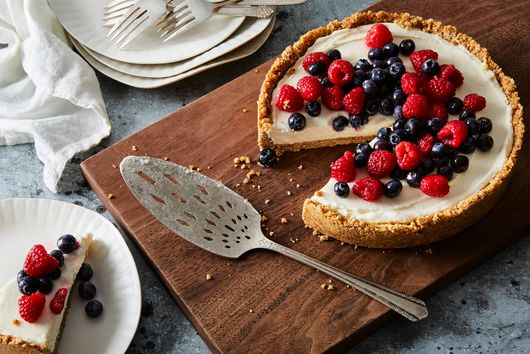 No-Bake Cheesecake With a Pretzel Crust
