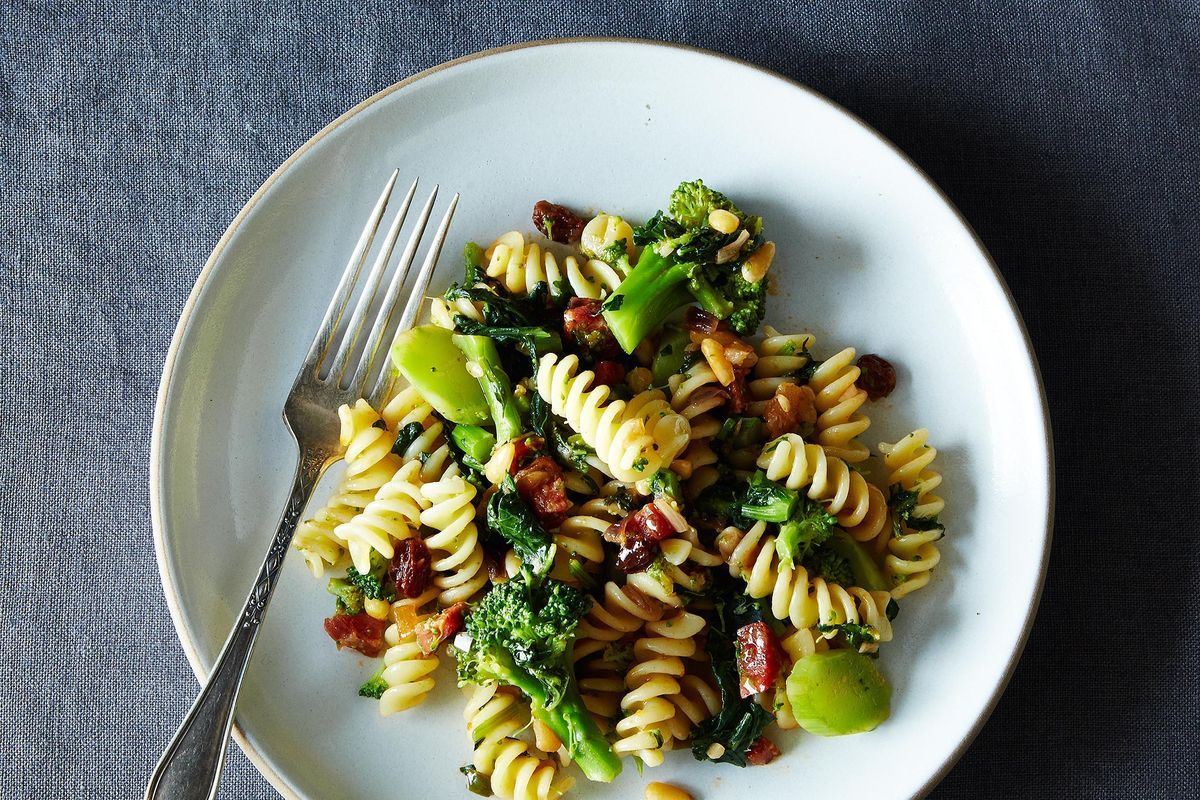 Pasta With Two Broccolis And Raisin-Pine Nut Sauce