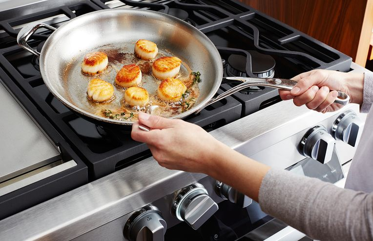 A Genius Dinner Party, Part 3: Pan-Roasted Sea Scallops