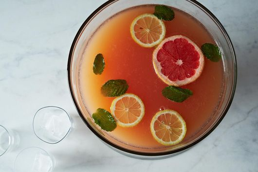 How to Make Cocktails for a Crowd (Only Simple Math Required)