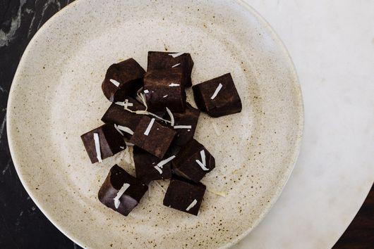 Quick vegan chocolate fudge