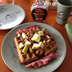 GINGERBREAD WAFFLES WITH MAPLE SYRUP APPLES