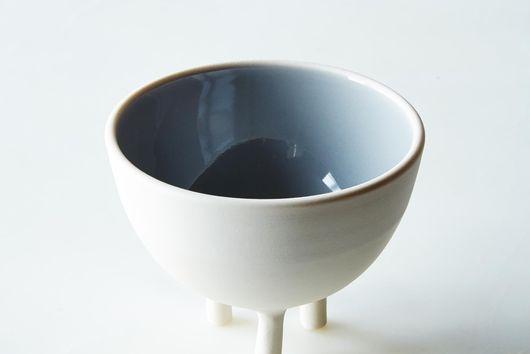 Small Tripod Pot