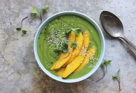 624993a1 1aa5 44ba 9cd0 76c9b9af6c43  banana mango green smoothie bowl 5