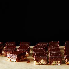 Crispy Pretzel-Peanut Butter Bars
