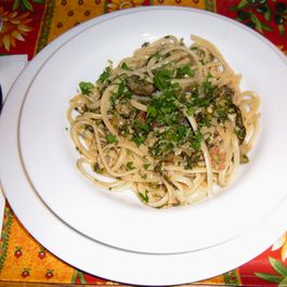 Linguine with Clam Sauce Deluxe