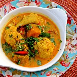 Bengali Coconut Fish Curry with Cauliflower and Pumpkin