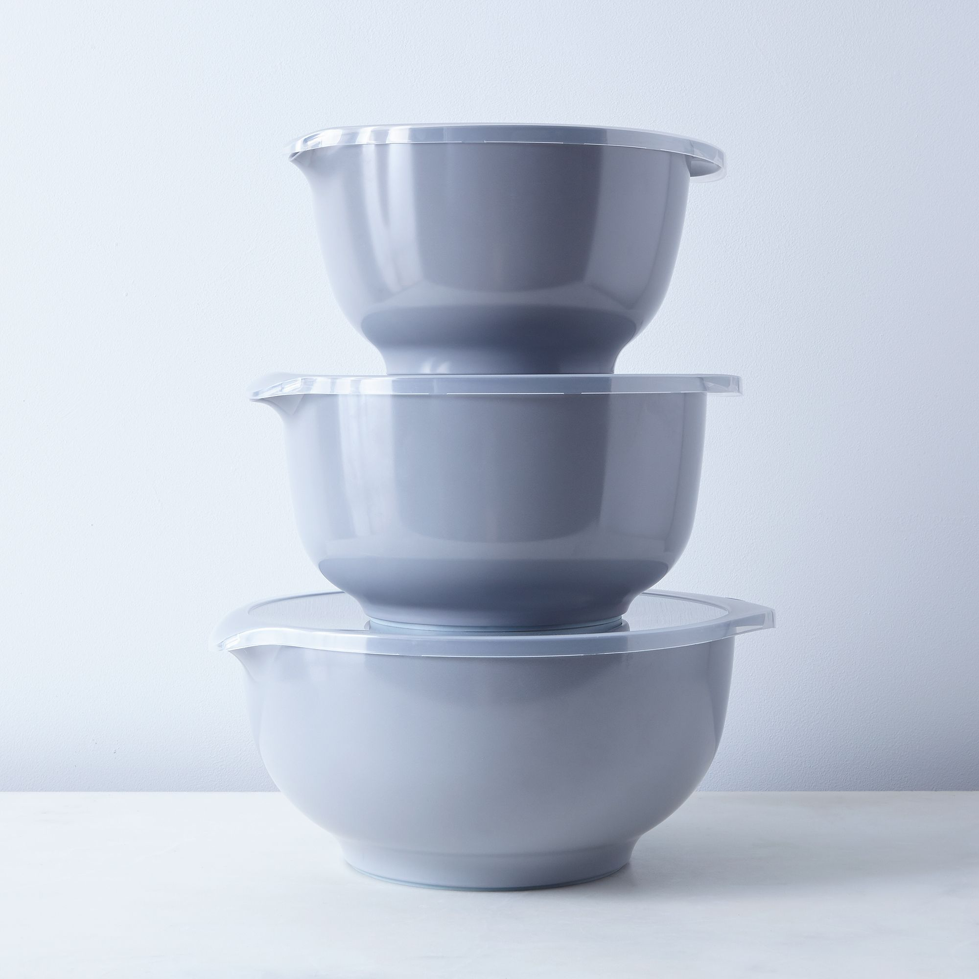 2e23f204 090f 4a5e b2a2 c48af7b008bd  2016 0805 rosti margarethe mixing bowl 3l with lid family gray silo rocky luten 458