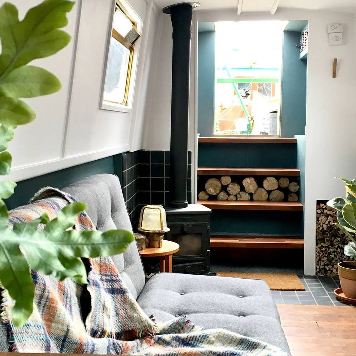 13 Best Airbnb Boats 2019 - Houseboat and Yacht Rentals to