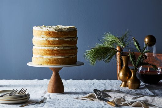 Sour Cream Naked Cake with Buttercream Frosting