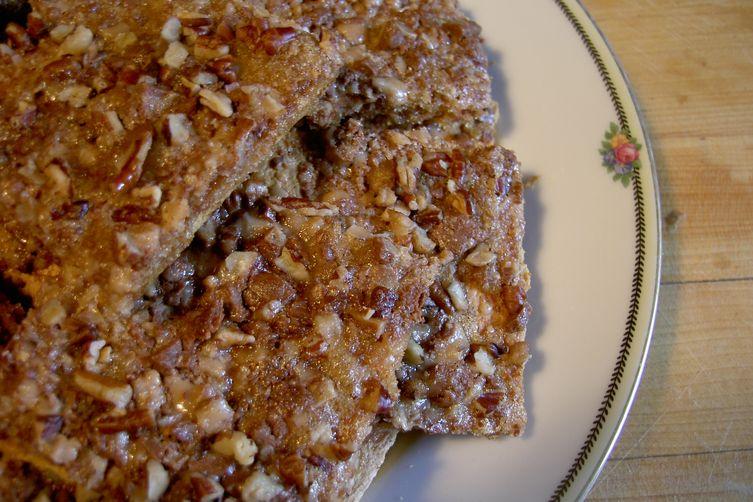 Crunchy graham toffee bars