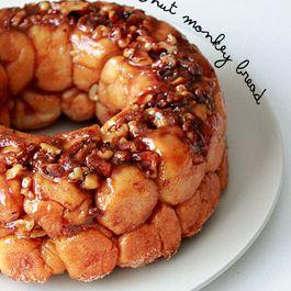 Caramel walnut monkey bread