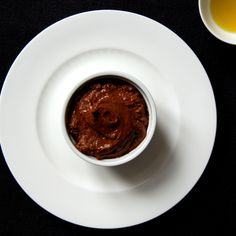 Mousse au Chocolat meets Olive Oil