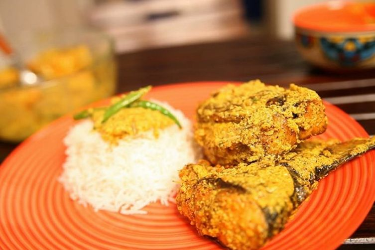 Bengali Fish Curry: Shorshe Ilish (Mustard Hilsa)