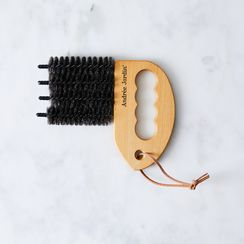 Vintage-Inspired Blinds Brush