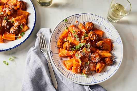 We Dare You Not to Eat One Million Of These Teeny, Tiny Meatballs