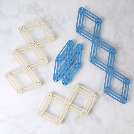French Vintage-Inspired Expandable Trivet