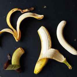 Should You Be Plastic-Wrapping Your Bananas?