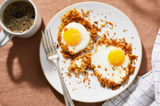 Crispy Eggs Fried in Bread Crumbs