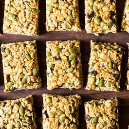 Vegan granola bars by Donna