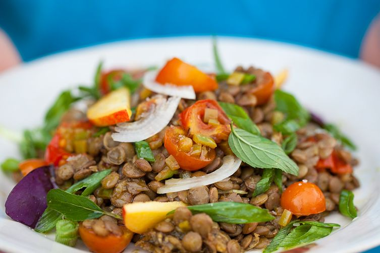 Fresh lentils and nectarine salad