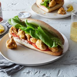 C3268a4e ef44 498d 93d4 da957bd30ef5  2016 0927 vegan fried cauliflower po boys linda xiao 238
