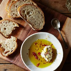 What's the Deal With Olive Oil's Shelf Life?